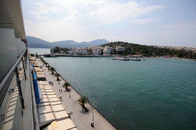 44€ για ένα διήμερο σε δίκλινο δωμάτιο με πρωινό και late check out, στο «Paliria Hotel», δίπλα στη θάλασσα, στην υπέροχη Χαλκίδα. Ιδανικός προορισμός για τις αποδράσεις του Σαββατοκύριακου και όχι μόνο. Αρχική αξία 115€!-Έκπτωση 61%