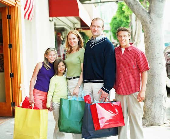 20% Έκπτωση σε παπούτσια, ρούχα και τσάντες για όλη την οικογένεια μέσα από μια μεγάλη γκάμα, με δωρεάν παράδοση στο χώρο σας και δυνατότητα επιστροφής αν τελικά το μετανιώσετε!