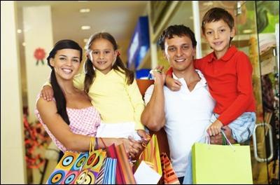 Έως και 35% έκπτωση για αγορές σε ρούχα, παπούτσια και αξεσουάρ για όλη την οικογένεια! Κάντε τις αγορές σας και ντυθείτε!